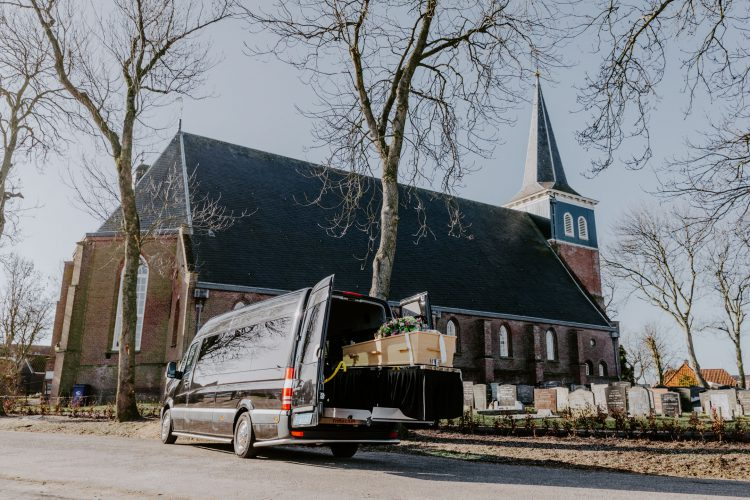 web-rouwvervoer-van-der-bles-makkum-friesland-fotograaf-jessie-jansen-13